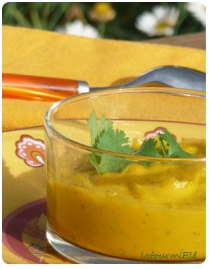 Soupe de carottes et patate douce lait coco