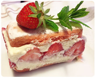 38-Fraisier-facile-aux-biscuits-roses