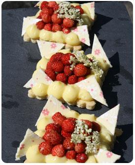 39-Tartelettes-Fraises-des-bois-et-Fleur-de-sureau