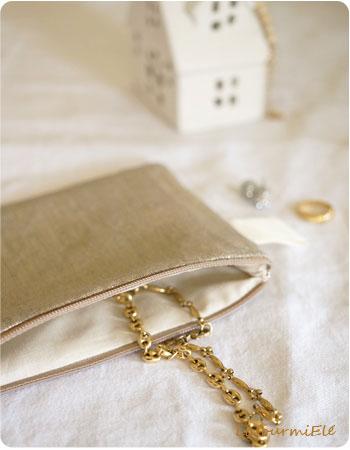pochette lin irisée dorée