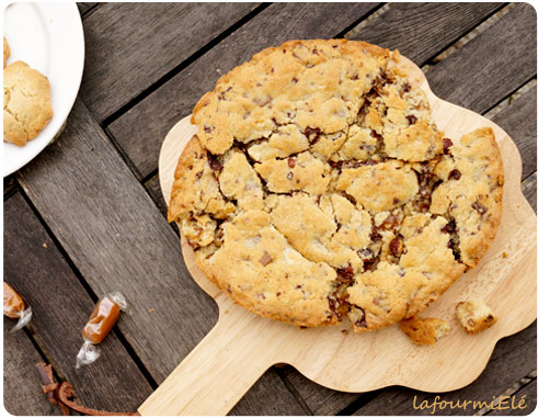 giant cookie caramel