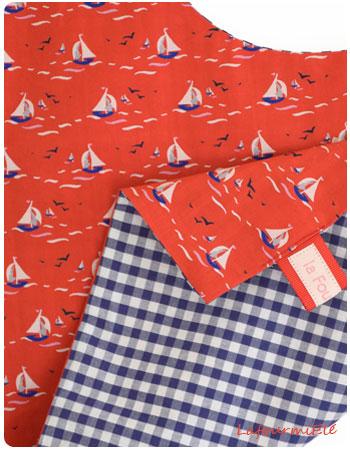 serviette-bateau-rouge-détail