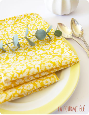 nouvelle petite collection sets de table jaune fleuri